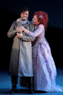 Saimir Pirgu (Edgardo) and Albina Shagimuratova (Lucia).                                          Photo: Robert Millard